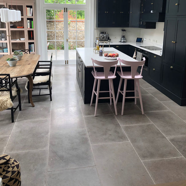 Picture of Bancroft Limestone Tiles - Tumbled