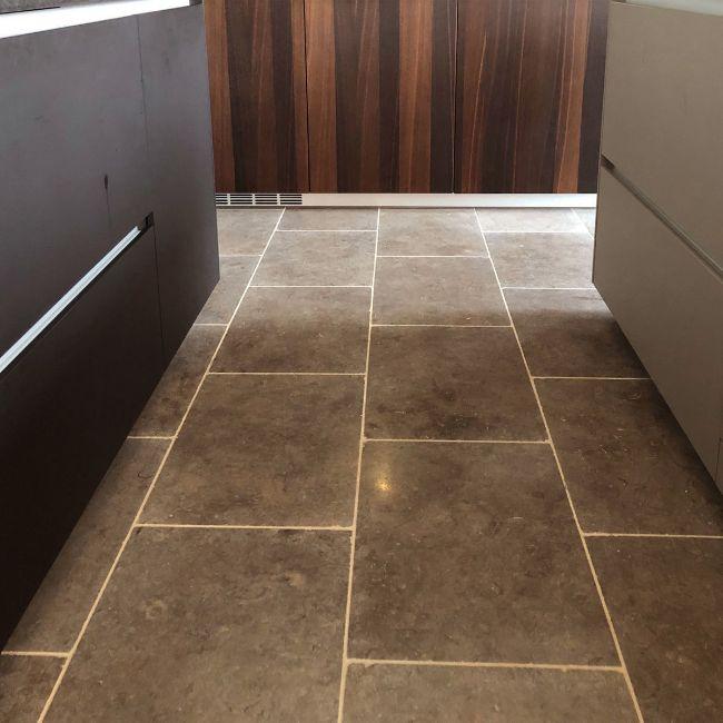 Picture of Milan Tumbled Limestone 600x400x15mm - 13.7 SQM Job Lot