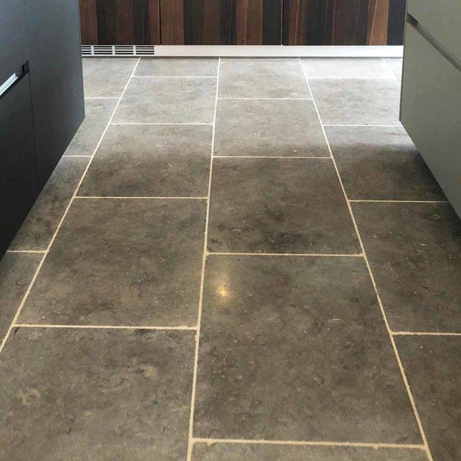 Picture of Milan Tumbled Limestone (LIGHT) 600x400x15mm - 11.5 SQM Job Lot